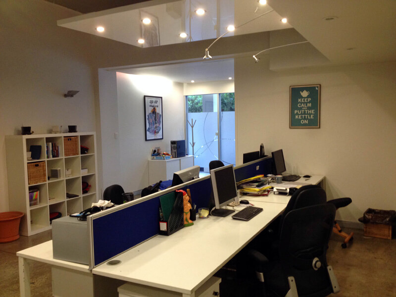 2 large desk spaces available in Surry Hills